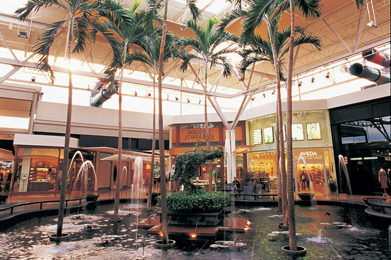Inside the Mall St. Matthews mall, one of the common areas has a large fountain with running water.